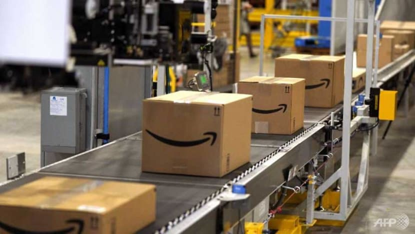 Amazon offers employees US$10,000 to quit, launch delivery business
