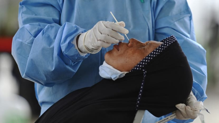 Indonesia records its lowest rate of positive COVID-19 tests