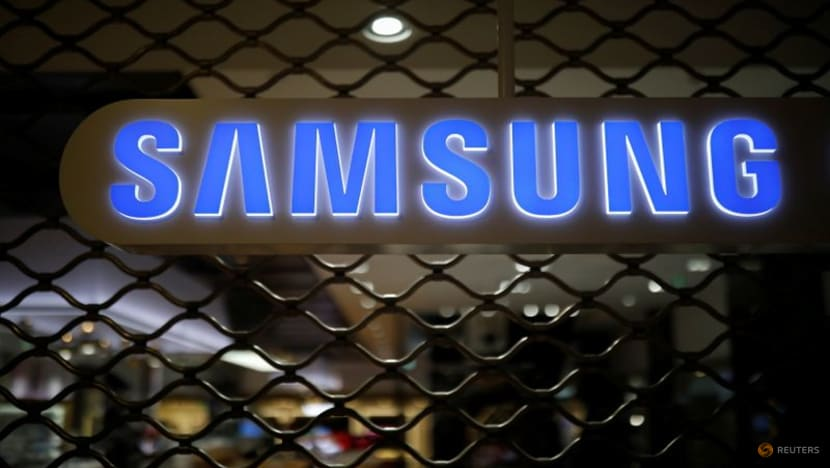 Samsung in talks with Tesla to make next-gen self-driving chips -Korea Economic Daily