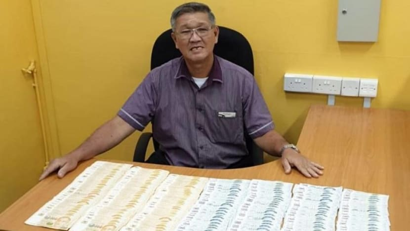 Driver hands over S$40,000 found on SBS bus