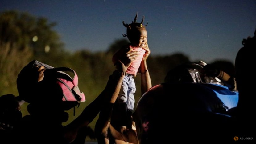 Migrant camp in south Texas dwindles to a few hundred people