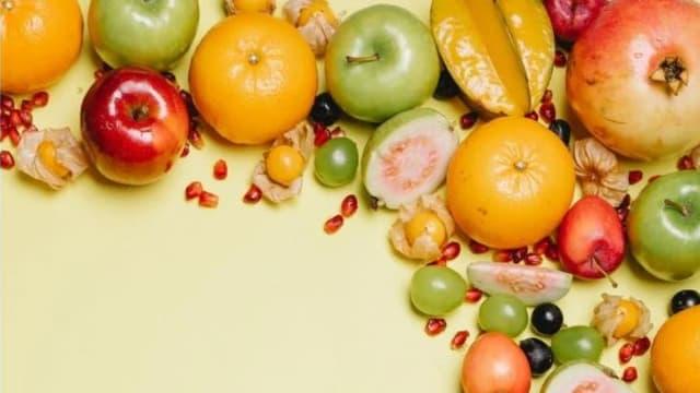 这些水果最好带皮吃 小心柿子和白果!