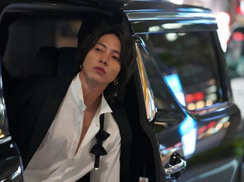 Pop star Tomohisa Yamashita spotted drinking and at hotel with underaged girl