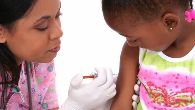 明年起长期居留我国孩童 须提交白喉和麻疹疫苗证明