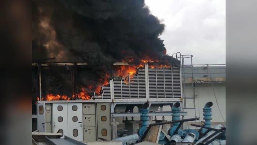 Fire breaks out at rooftop of Pandan Loop building