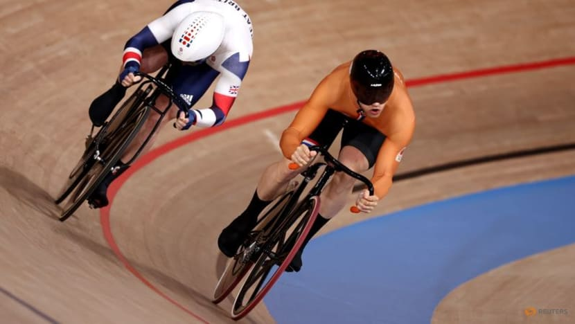 Olympics-Cycling-Kenny's defence of sprint title ended by Lavreysen