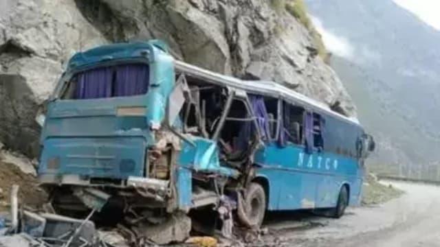 巴基斯坦一巴士爆炸 导致至少13人死
