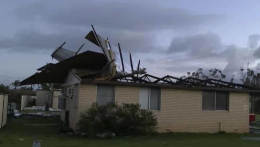 Cyclone destroys houses, cuts power on Australia's west coast