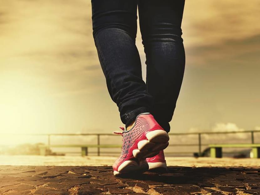 Weekly short walks can lower risk of dying from heart attack and cancer