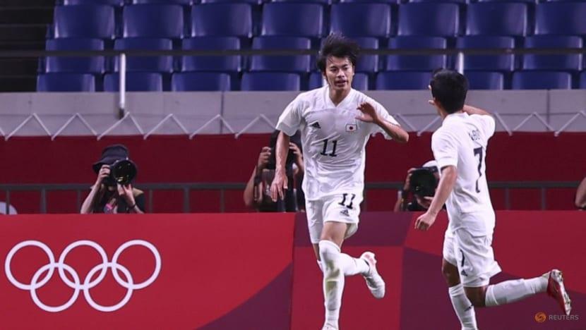 Football: Brighton sign Japanese midfielder Kaoru Mitoma