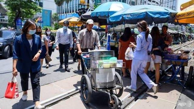 泰国新增1万8027起病例 133人病逝