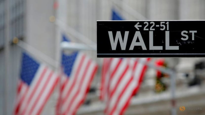 US stocks end mostly higher as Nasdaq hits new record