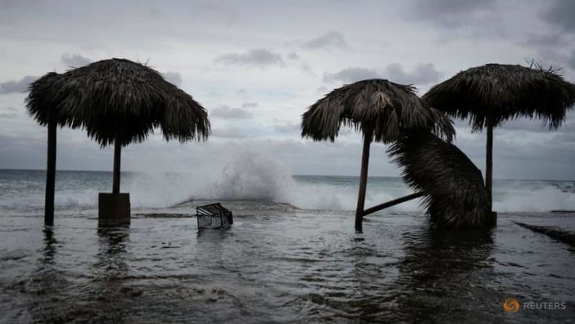 Stronger Hurricane Laura aims at heart of US oil refining industry