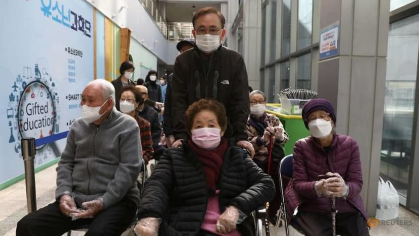 South Korea to mix and match COVID-19 vaccine doses for 760,000 people