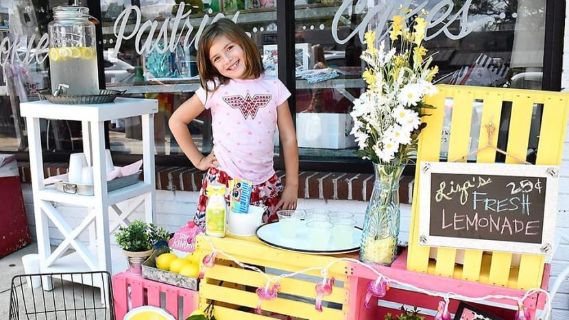 7-year-old girl sells lemonade to raise money for her own brain surgery in the US