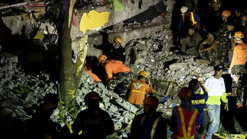 Frantic hunt for survivors after powerful Philippine quake