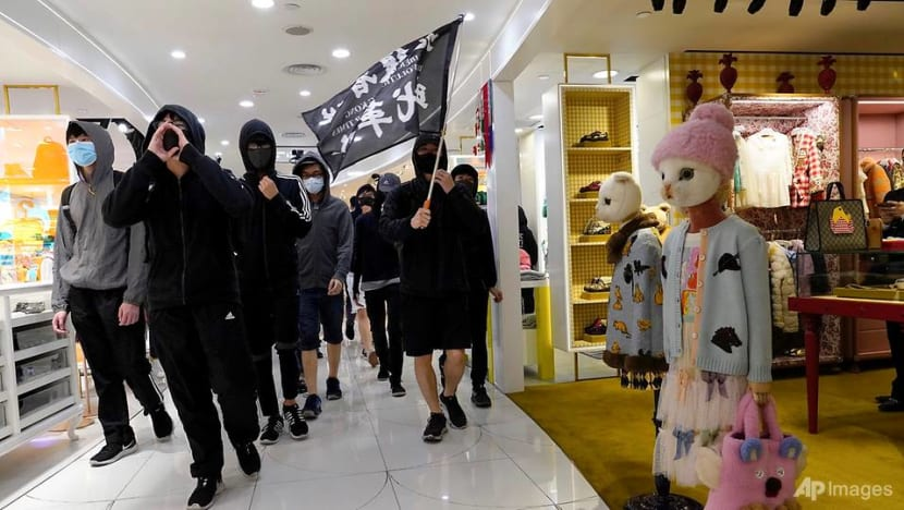 Third day of Christmas clashes in Hong Kong