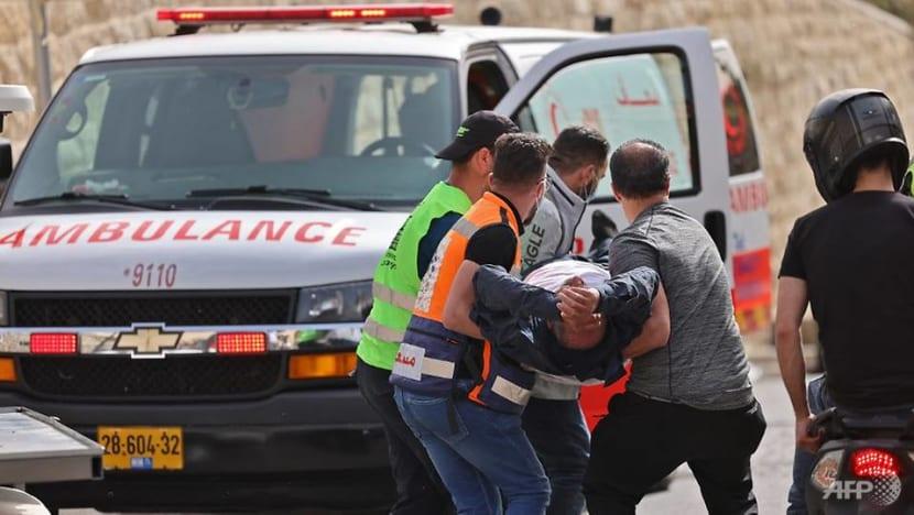 Hundreds hurt in new Jerusalem clashes between Israelis, Palestinians