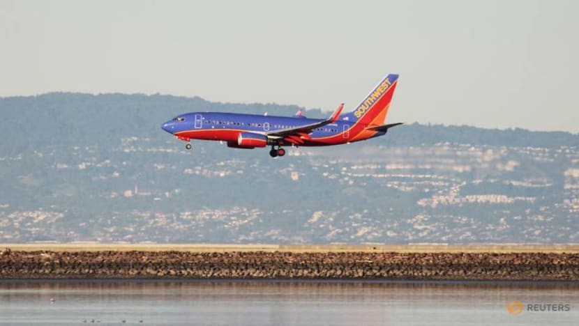 Southwest seeks pay cuts from unions to avoid layoffs through 2021