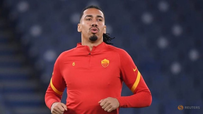 Football: Roma defender Smalling robbed by armed burglars