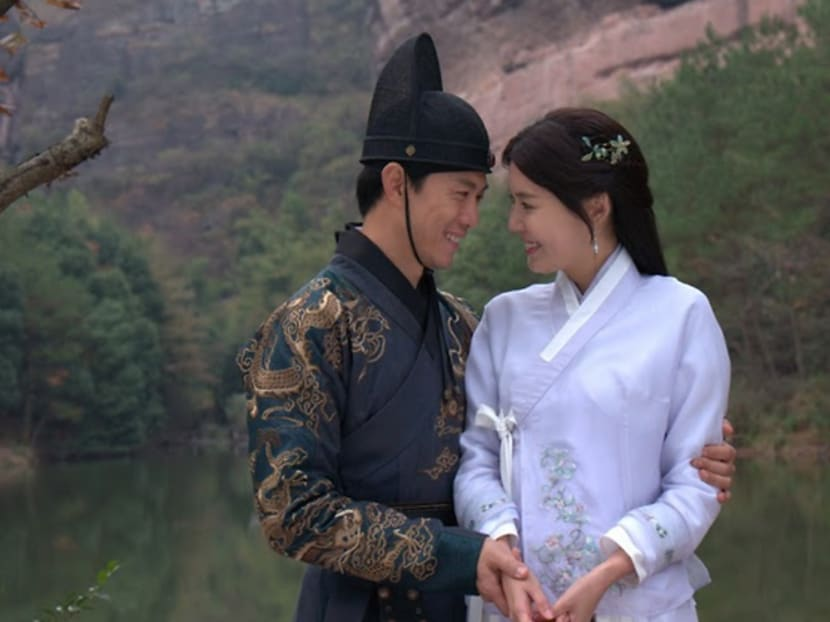 Carrie Wong, Qi Yuwu conquer fear of heights by 'flying' in Ming dynasty drama