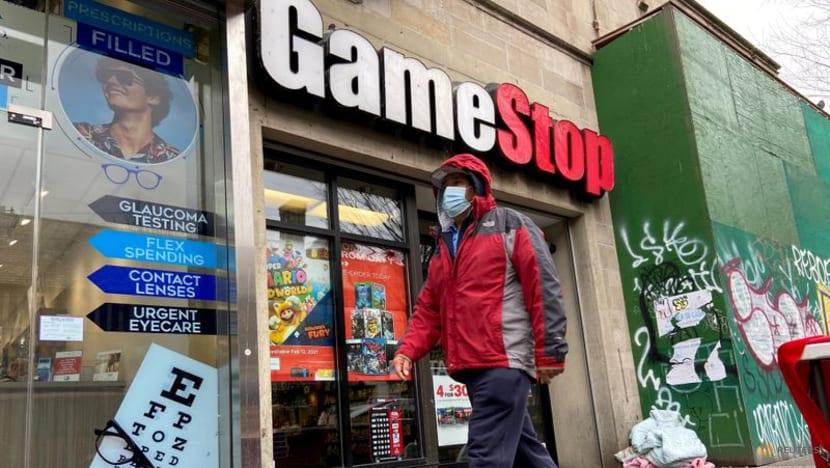 GameStop shares subdued on lack of rejig details