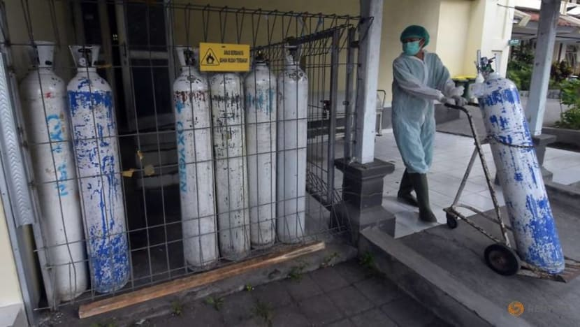 Bali running out of oxygen as Indonesia ponders COVID-19 curbs