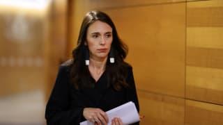 新西兰总理阿德恩身体不适 接受检测