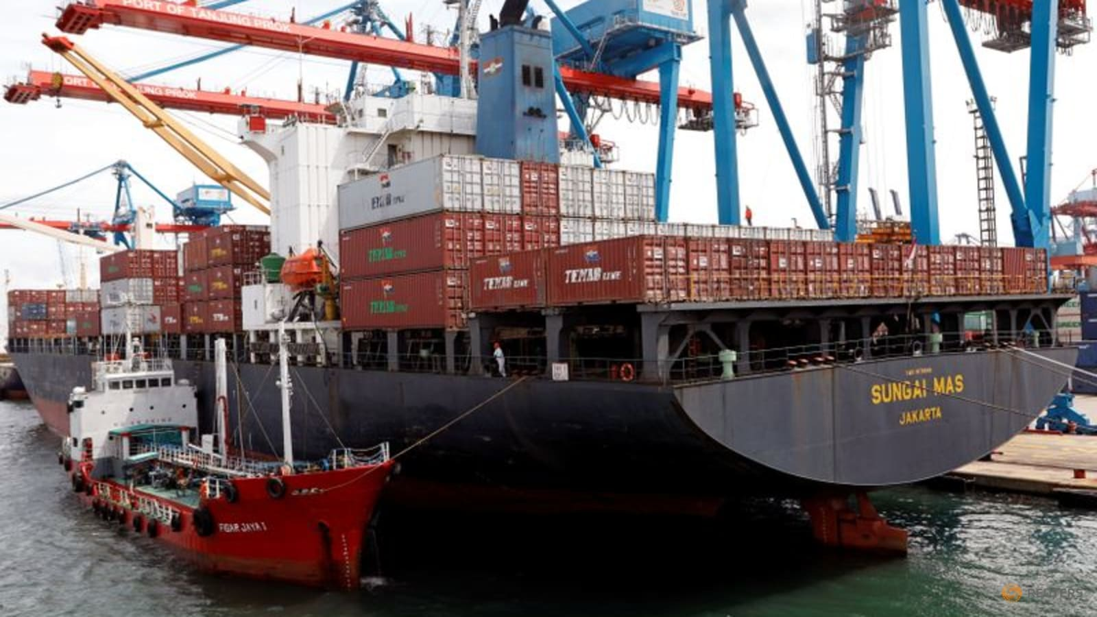 Indonesia's August exports hit record high on resources boom thumbnail