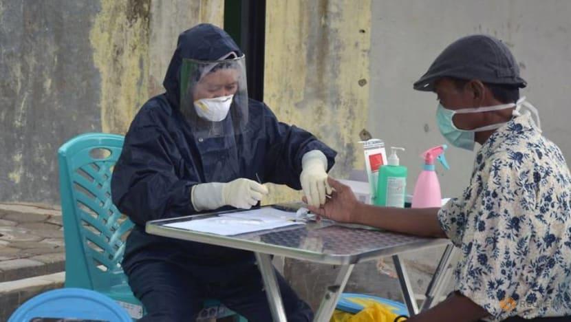 Indonesia's blood banks run dry amid COVID-19 pandemic and Ramadan