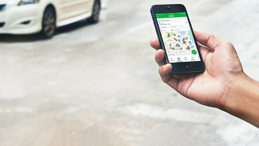 Grab driver filched phone left behind by passenger, rated himself 5 stars