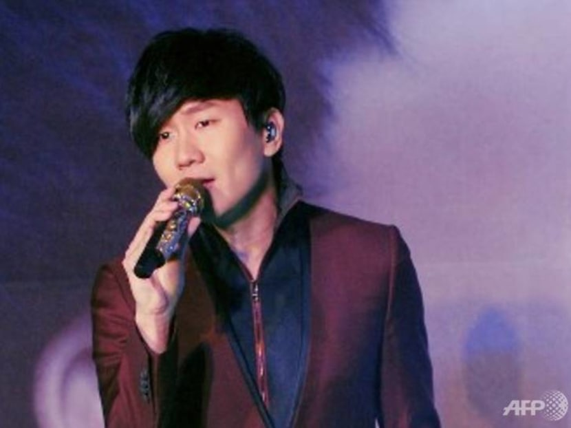 JJ Lin hospitalised in China, hospital staff take turns lying on his bed after he leaves