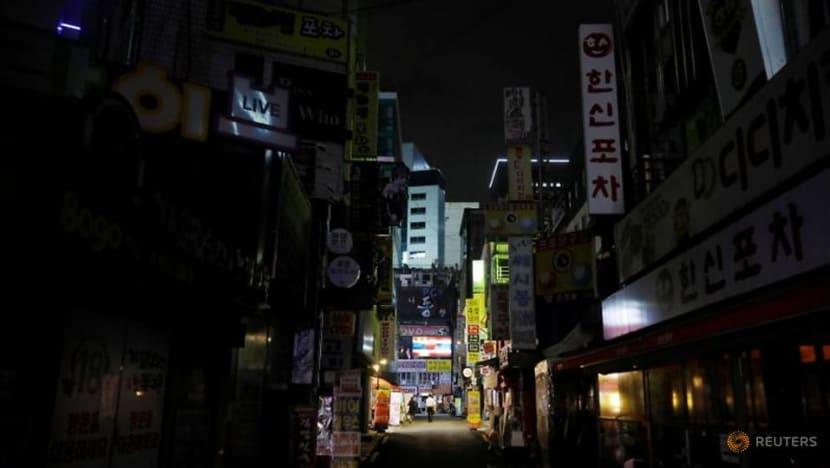 South Korea orders closure of nightclubs, karaoke bars amid concern over fourth COVID-19 wave