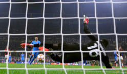 Last-gasp Suarez penalty earns Atletico victory over 10-man Milan