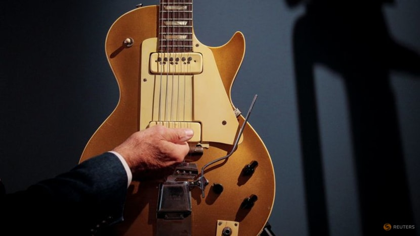 Legendary electric guitar inventor Les Paul's personal Gibson up for auction