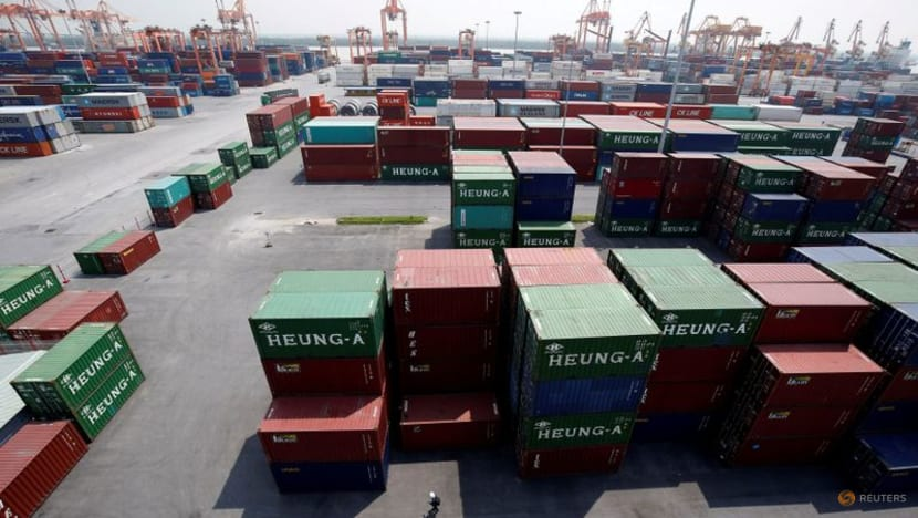 Vietnam reports record GDP contraction in Q3