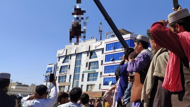 市中心吊尸示众 塔利班官员称为吓阻绑架犯