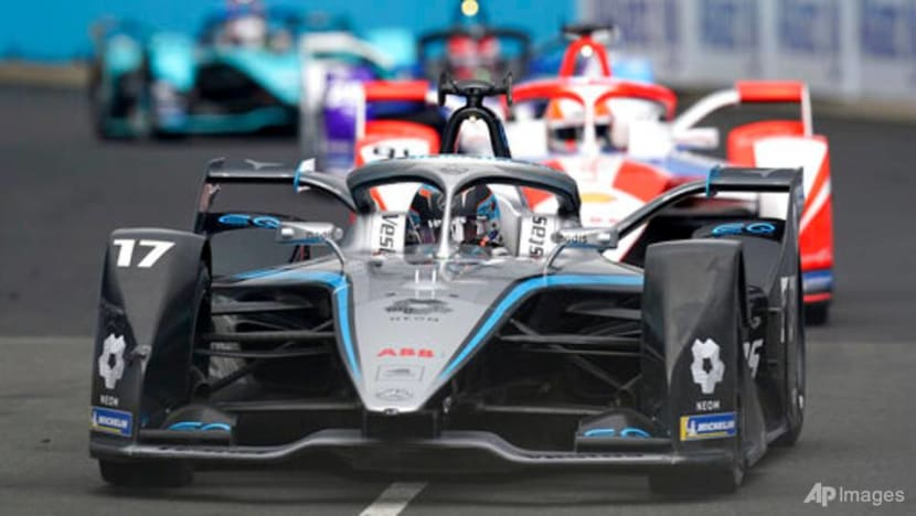 De Vries says it would boost Formula E if he can get F1 seat