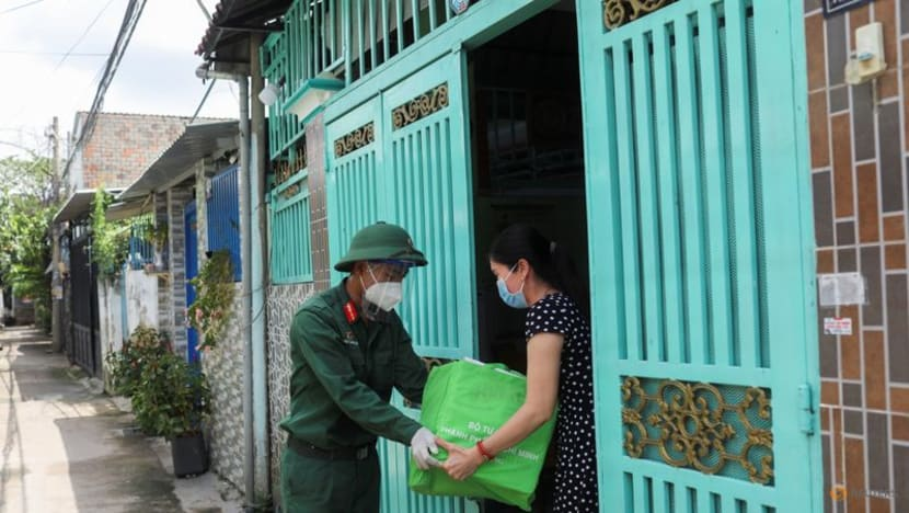 Vietnam reports record 12,920 new COVID-19 cases, 356 deaths