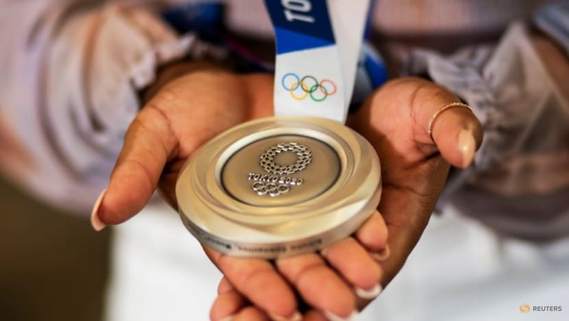 Olympics-'Gold in our eyes': Chiles relishes hard-fought silver medal