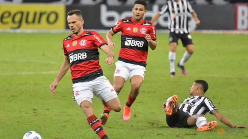 Soccer-Savarino scores twice as Atletico Mineiro defeat champions 2-1