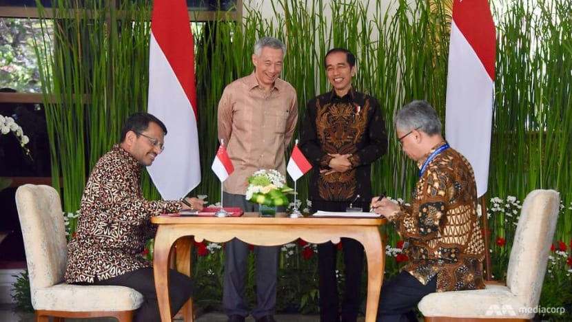 Singapore, Indonesia sign bilateral investment treaty, 4 MOUs