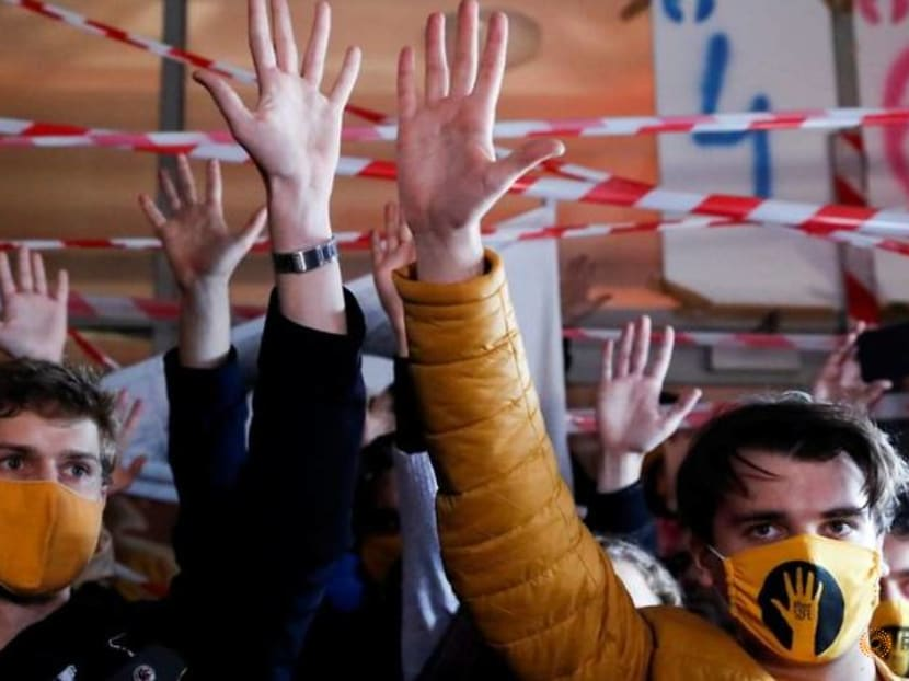 Hungary arts university protesters defy order to end blockade