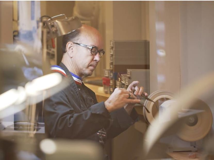 Saving one of the oldest eyewear ateliers in France with vision and a master