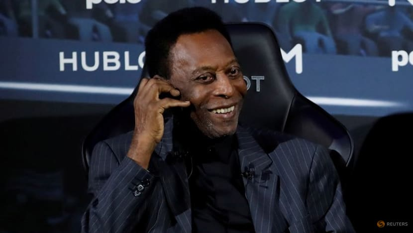 Football: Pele brings sporting stars together for charity auction