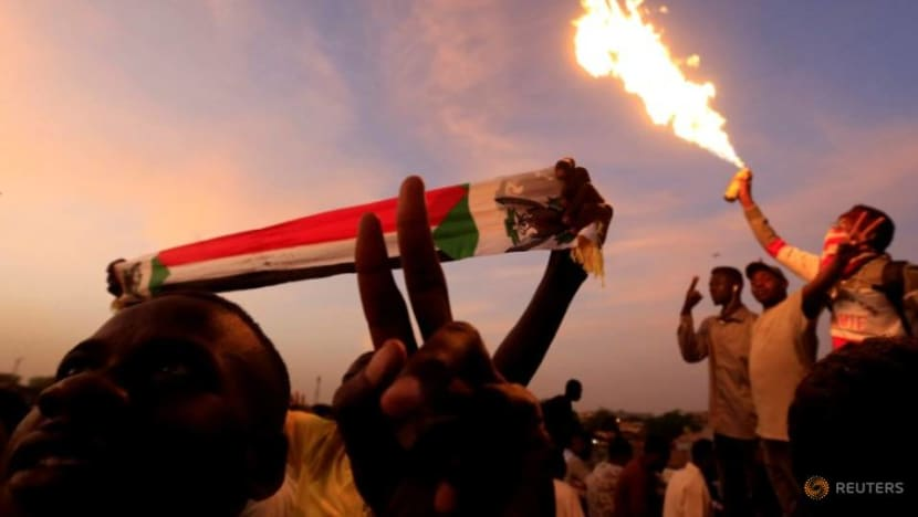 What are Sudanese protesters demanding?