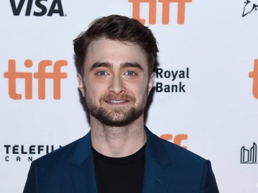 Watch Harry Potter's Daniel Radcliffe narrate a chapter in Sorcerer's Stone