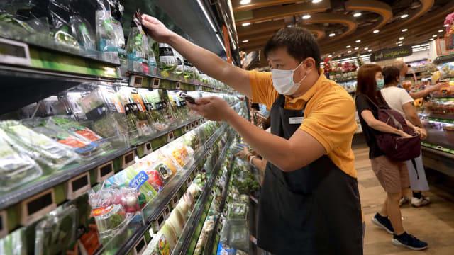 【冠状病毒19】逆境中寻转机:部分航空酒店业员工转战超市