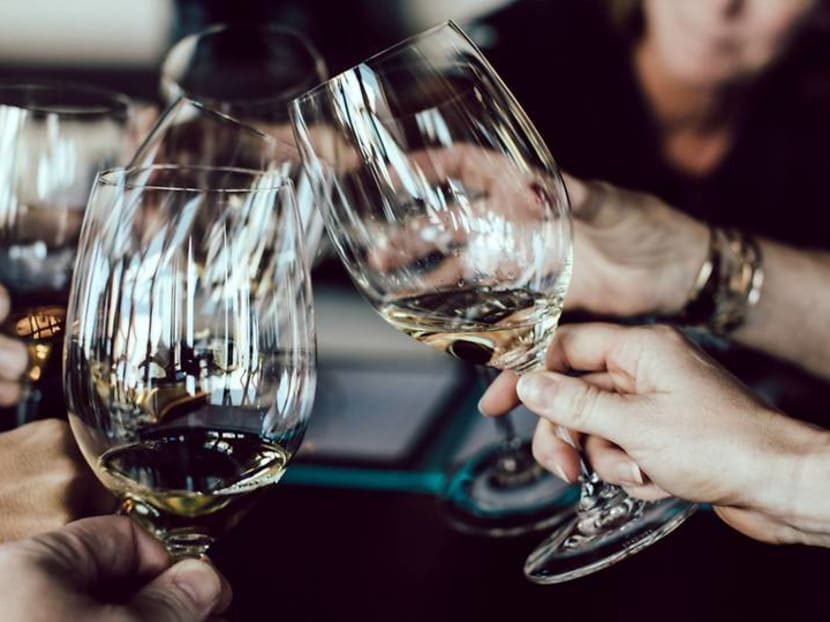 Meeting an important client for dinner? Here's how to choose the right wine