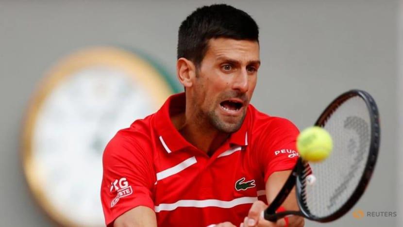 Tennis: Easy again for Djokovic as he reaches third round